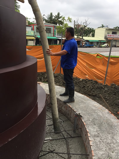屏東公園生命樹-鋪地磚